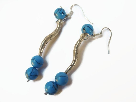 blue and silver dangle beadwork earrings of sterling silver and howlite