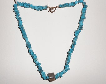 vintage turquoise nugget necklace 1980s southwestern cowgirl boho hippie jewelry