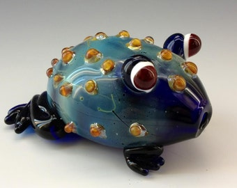 Blue Toad Glass Tobacco Pipe - H*097
