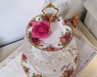 Roses and David son Art Deco Blackberry Prunt Glass 3 Tier Cake ...