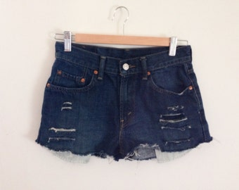 Levis distressed high waisted shorts size 3
