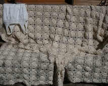 Jasmin: Large vintage handmade crocheted coverbed, ecru yarn, crocheted lace,pure cotton.