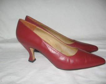 Vintage Kenneth Cole New York  Burgundy Leather Pumps Made In Spain