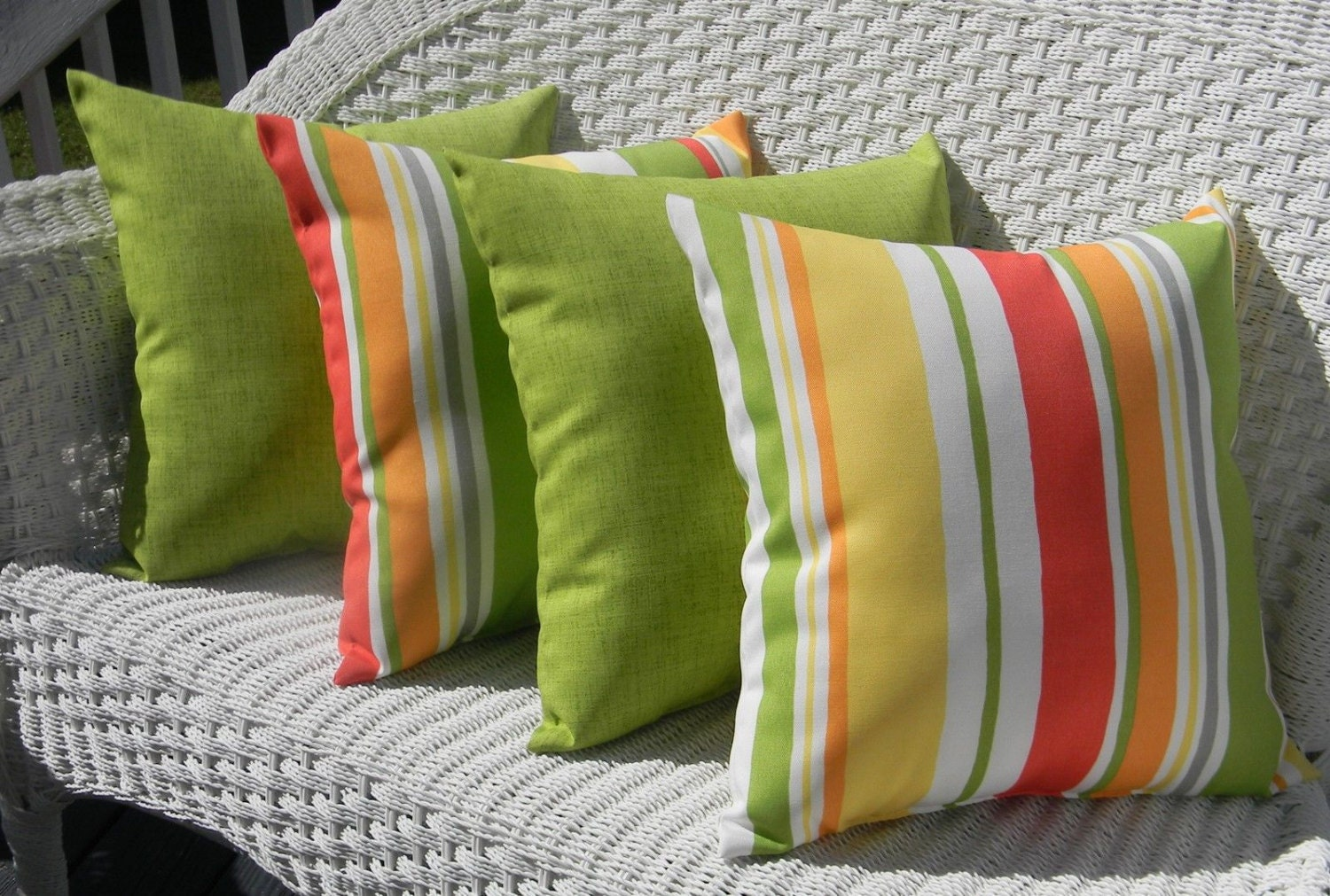 SET OF 4 17 Indoor / Outdoor Throw Pillows 2 Coral