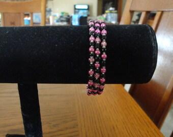 Memroy Wire Bracelet-Black and Metallic Pink seed Beads