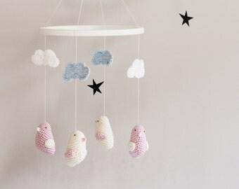 elefant krippe mobile h keln elefanten baby girl mobile von lalaka. Black Bedroom Furniture Sets. Home Design Ideas