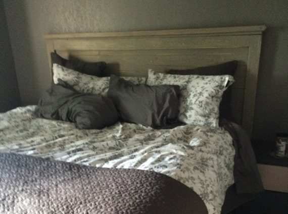 king size headboard distressed gray vintage style. Black Bedroom Furniture Sets. Home Design Ideas