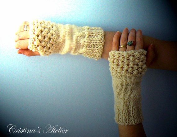 Ivory textured knitted wool pearls gloves.Handmade knitted fingerless gloves-Women gloves with pearls.Chic knitted gloves.Winter white gifts