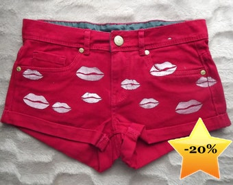 Lip print studded shorts