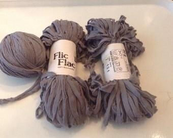 Flic Flac Yarn in Grey 3 Skeins (150 G) - Rare