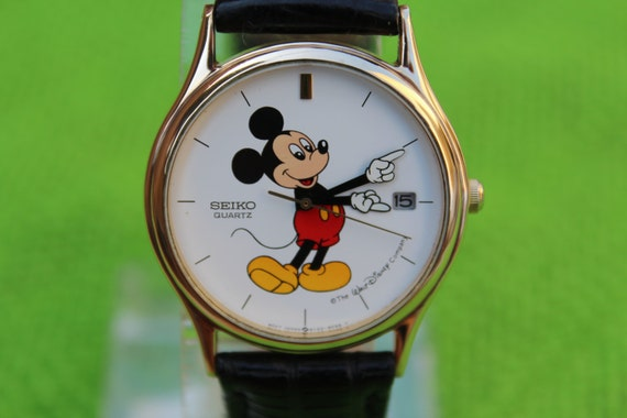 Vintage Seiko 5y22 Mickey Mouse Men Quartz With Date Watch