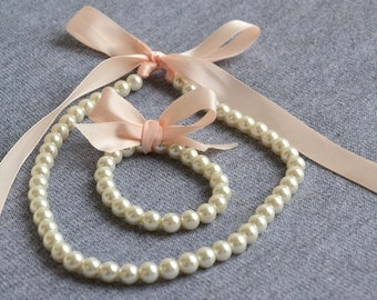 pearl set, ivory pearl set,.Little Girl Pearl and ribbon Necklace and Bracelet set perfect for flower girl gift or first pearls.