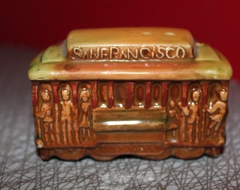 San Francisco California Souvenir Vintage Trolly Train Car Ceramic Collectable Salt and Pepper Shakers