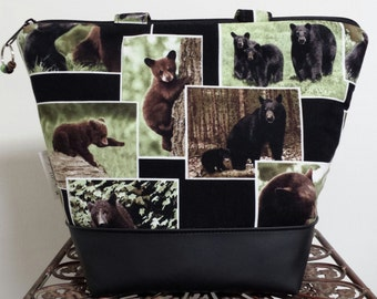 Insulated Lunch Bag, Vinyl Bottom, Bears, Wild Animals,Washable, Reusable, Work Lunch Bag,Heavy Nylon Lining with Zipper Pocket.