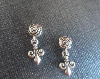 Classic Fleur De Lis Magnetic Dangle Earring!
