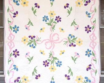 Vintage Applique Quilt,  Bow Knot & Floral,  Hand Appliqued, Hand Quilted, Handmade Kit Quilt, Cottage, 1940s Kit Quilt