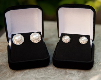 Pearl crystal earrings, 2 sizes, silver or gold finish, pearl earrings pierced, wedding earrings, bridesmaid earrings, bridesmaid gift,