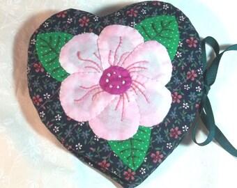 Heart Etui Needle Case Pattern