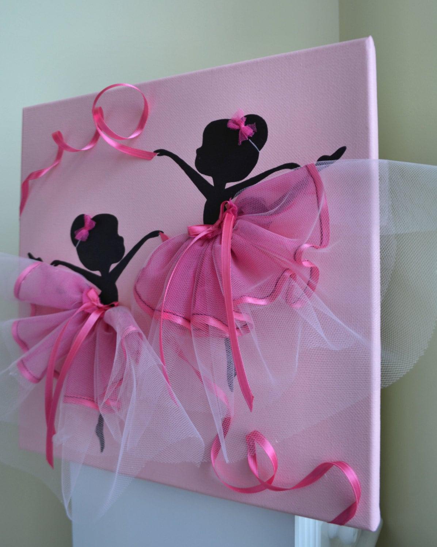 Ballerines de danse en tutus roses enfants salle de d cor de for Decor traduction
