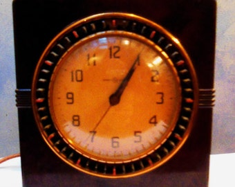 General Electric Brown Bakelite Clock and Household Timer -Works KEEPS GREAT TIME
