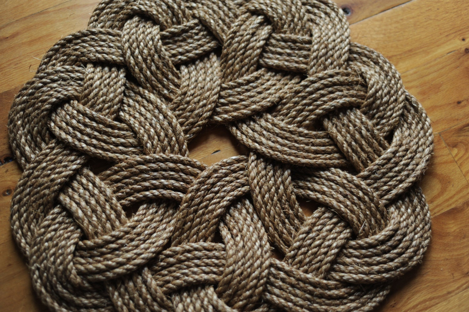 Kringle mat nautical decor smal rope rug manila rope by oyknot for Rope carpet