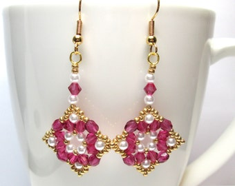 CLEARANCE Fuchsia and gold earrings, regal earrings, beaded earrings, beadwork earrrings, beadwoven earrings, ER001