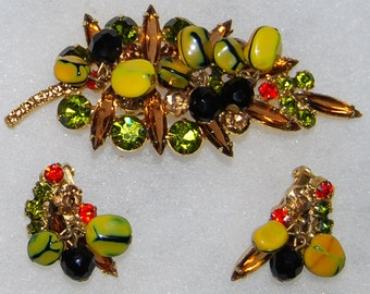 juliana brooch and earring set - book piece