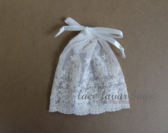 WHITE vintage lace favor bags - lace pouch - wedding favor bags - set of 10