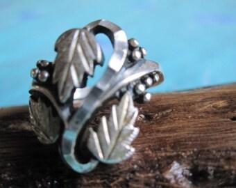 Black Hills Ornate Grape Vine Sterling Ring Size 8