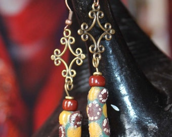 Earrings out of westafrican glass trade beads