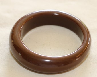 Fantastic Vintage Asymmetrical Brown Earth Autum Coloured Plastic Bangle