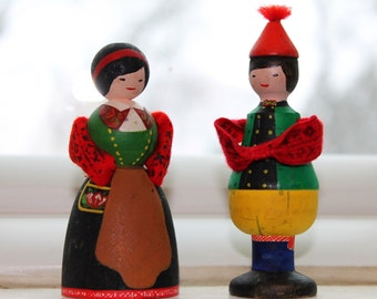 1970s Pair of Swedish Miniature Dolls, Vintage Hand Painted Swedish Folk Dolls, Vintage Swedish Souvenirs