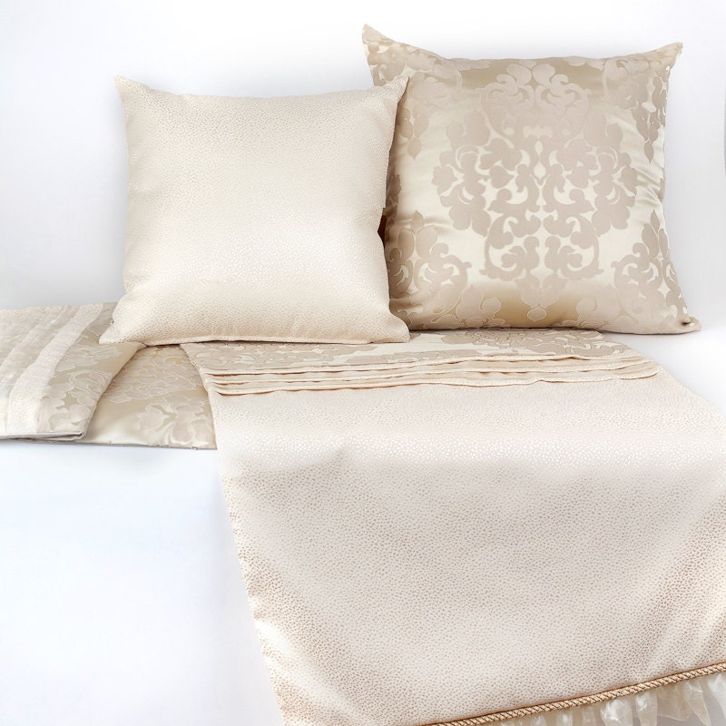 Luxury Collection Soft And Romantic Bed Runner With