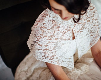 S A L E 1950s Lace and Tulle Wedding Dress //  My Reverie Dress