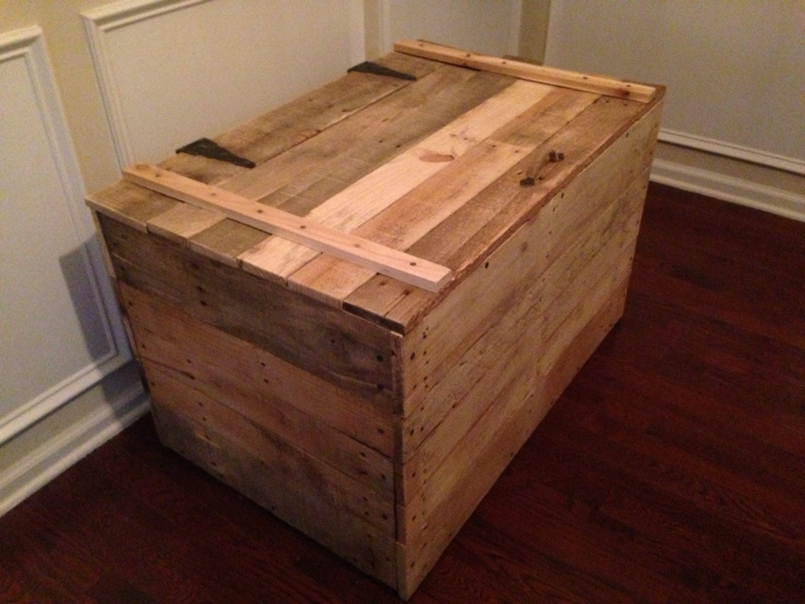 rustic toy chest and storage trunk made from by brittandtyler. Black Bedroom Furniture Sets. Home Design Ideas