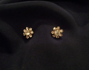 Vintage rhinestone stud pierced earrings; rhinestone flower-shaped earrings