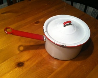White and Red Enamel Granite Pot with Lid