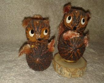 Vintage Folk Art Walnut Squirrel Salt and Pepper Shakers
