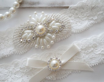 Wedding Garter Set, Bridal Garter Set, Vintage Wedding, Ivory Lace Garter, Pearl Garter Set