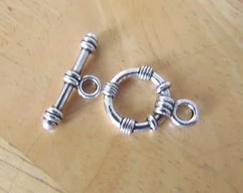 5 Set of Textured Round Silver Toggle Clasp