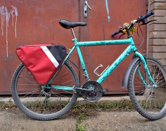 Bicycle pannier