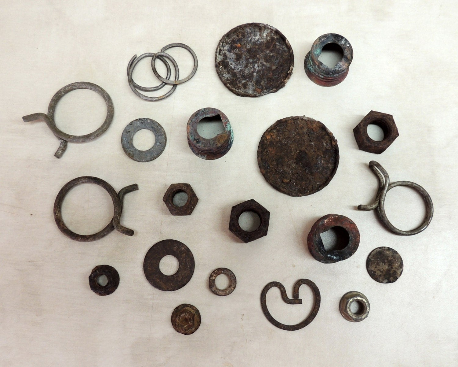 20 Pieces Rusty Metal objects / Round / Circle / by ...