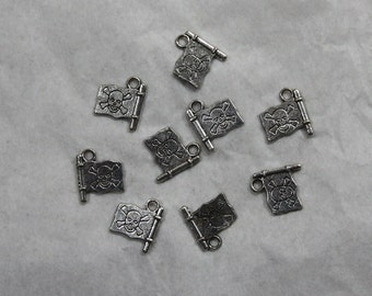 15 Pirate Flag Charms # 34