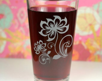 Lotus Henna Flower Duo with swirls Etched Pint Glass