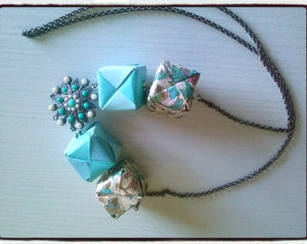 Necklace Cube Blue