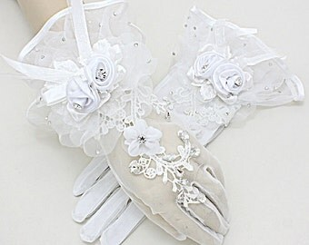 Flower Wedding Gloves, Lace Crystal Beads Gloves, Fingerless Gloves, Wedding, Bride, Bridal Gloves,White