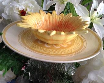 Yellow Sunflower Garden Stake Bird Feeder Tabletop Fancy Dessert Stand Chips and Dip