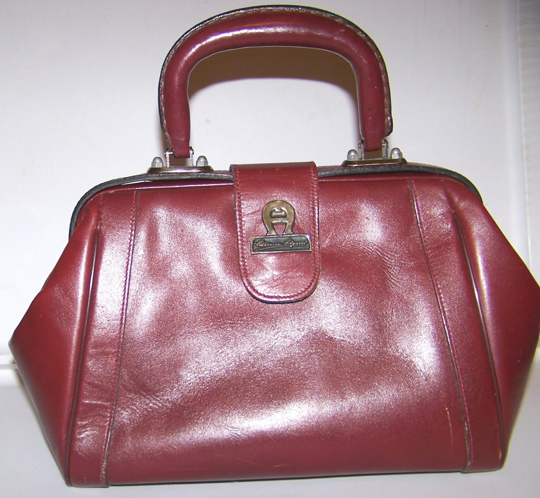 Vintage Etienne Aigner Burgundy Leather Purse Doctor S