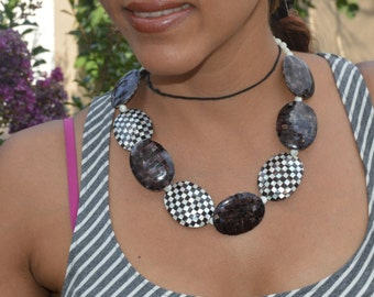 Black  and White Ebony Checkered Shell Bone Necklace With White Beads