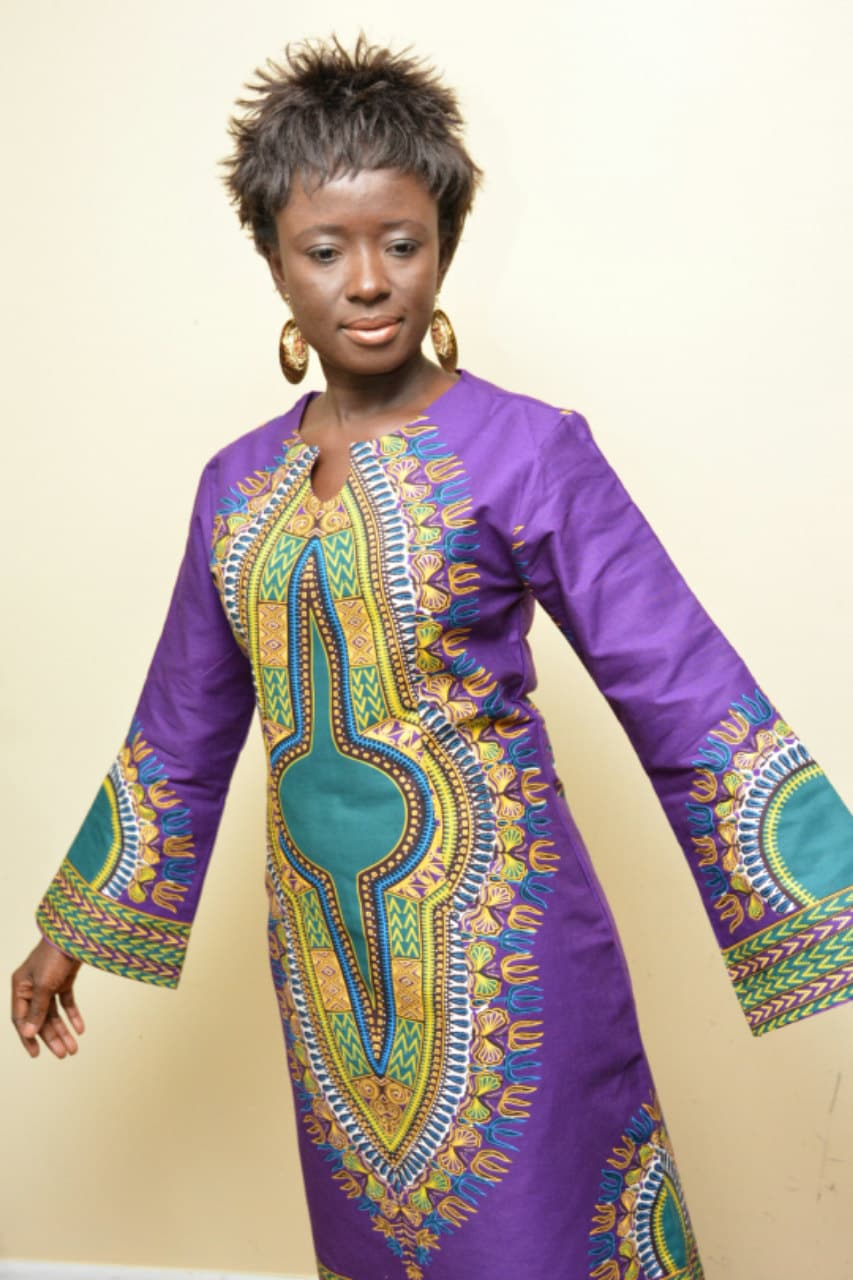 A beautiful dashiki dress with long bell sleeves - Dressing modellen ...